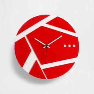 orologio da parete rosso e bianco