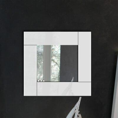 Specchio da parete in plexiglas con cornice bianca