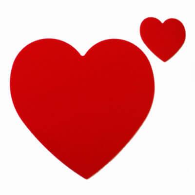 sottopiatto rosso a forma di cuore in plexiglas